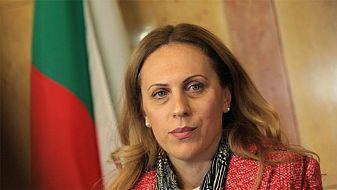 Марияна Николова: Започна ваксинацията на членовете на изборните комисии