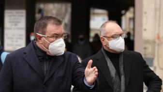 Костадин Ангелов: Интересът към ваксинирането е огромен, отваряме денонощни кабинети