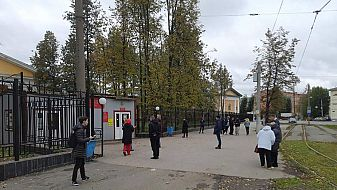 Нападател уби осем души в университет в Русия
