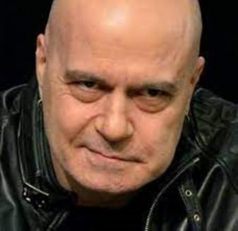 Фейсбукът на Слави: Кирил Петков говори неистини