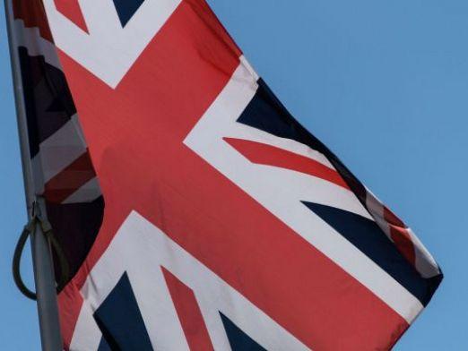 Стотици хиляди потребители на газ и ток във Великобритания ще трябва да преминат към нови доставчици