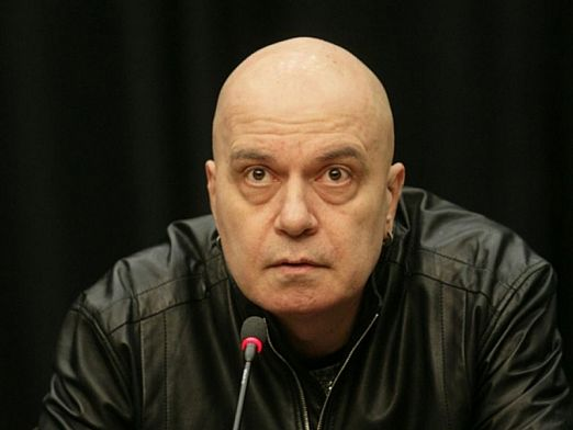 Фейсбукът на Слави се чуди на ЦИК и НСИ, не му излизат избирателите