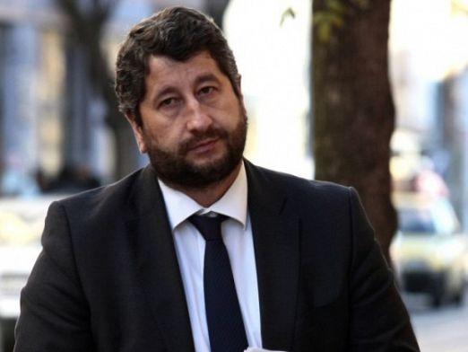 Христо Иванов не иска споразумение с Манолова и Петков преди изборите